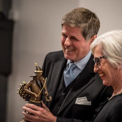 Der Preisträger mit dem Triton und Astrid Haas